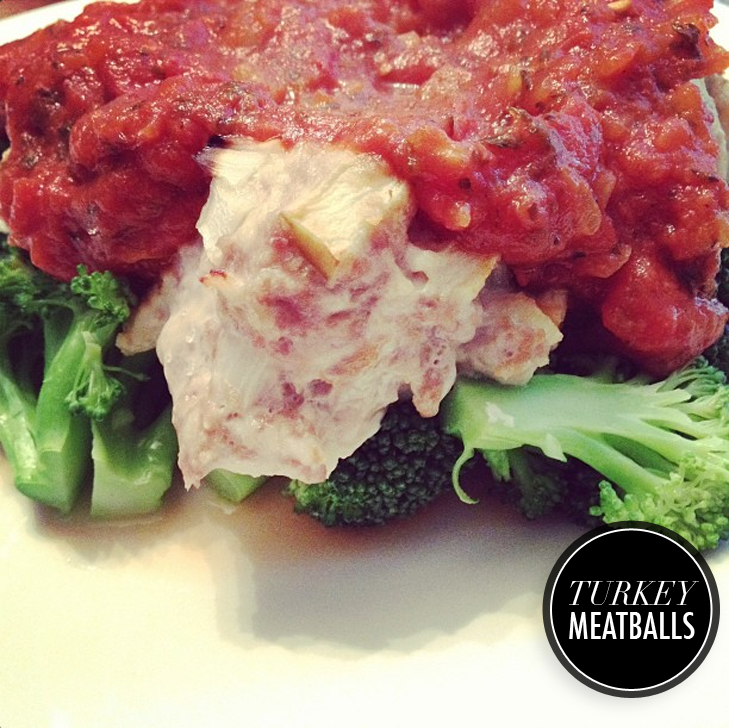Paleo Meatballs over Steamed Broccoli with Red Sauce, Paleo, Jessica Quirk, whatiwore.tumblr.com