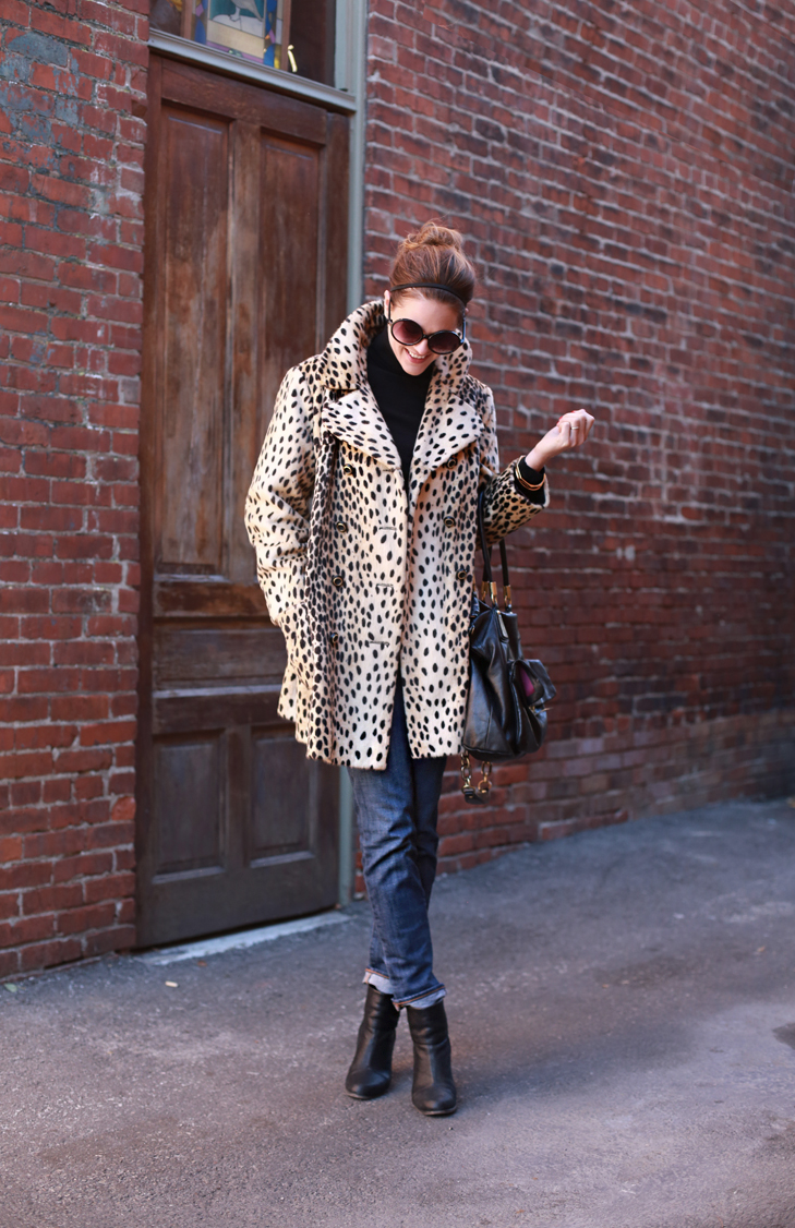What I Wore   Meow, Jessica Quirk, Cheetah vs Leopard, whatiwore.tumblr.com, vintage, how to wear vintage, how to shop vintage, vintage leopard coat, how to wear a leopard coat, leopard and boyfriend jeans, how to wear boyfriend jeans, shop vintage, bloomington style, fashion blogger, indiana fashion blogger