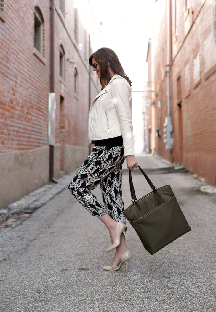 Chic Maternity Style, Cute Maternity Pants, V8909, Lo & Sons, Jessica Quirk, @whatiwore