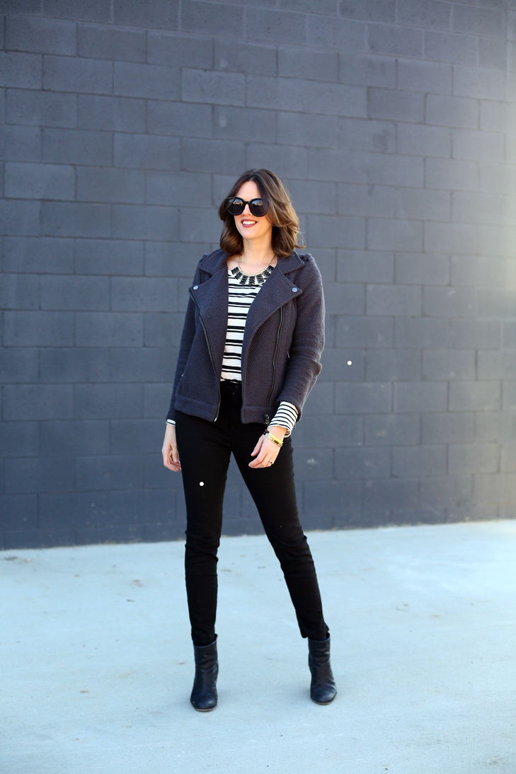 Casual Mom, High Waisted Jeans, Easy Outfit Idea