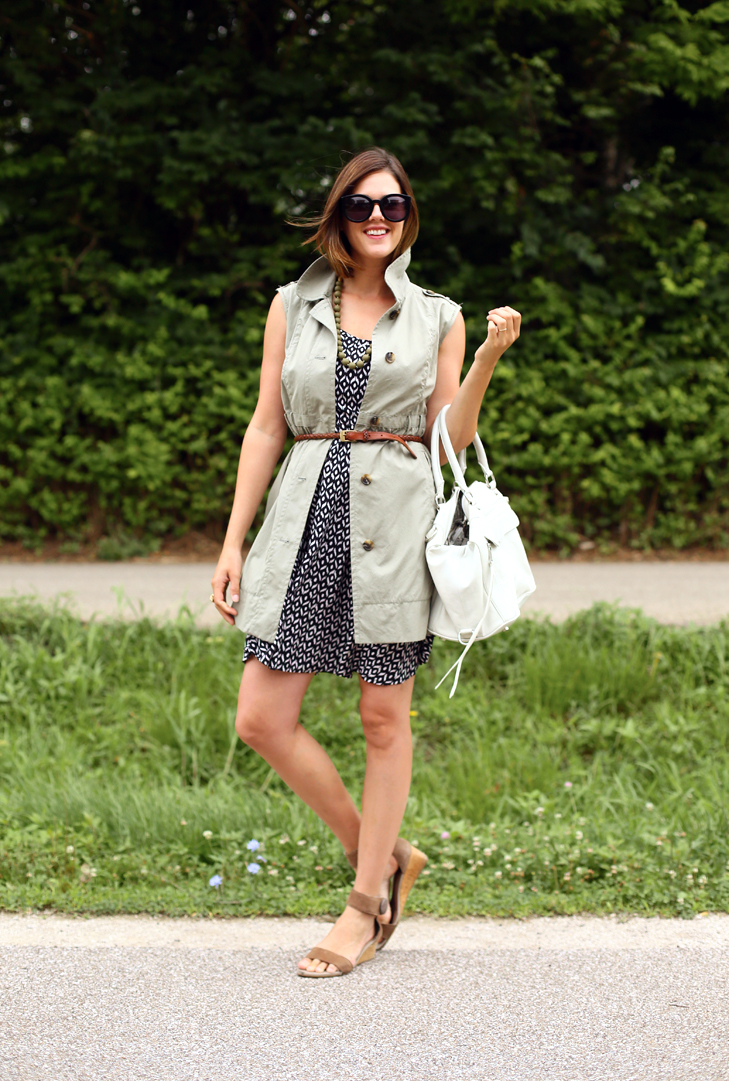 Jessica Quirk does summer layers on her fashion blog, What I Wore.