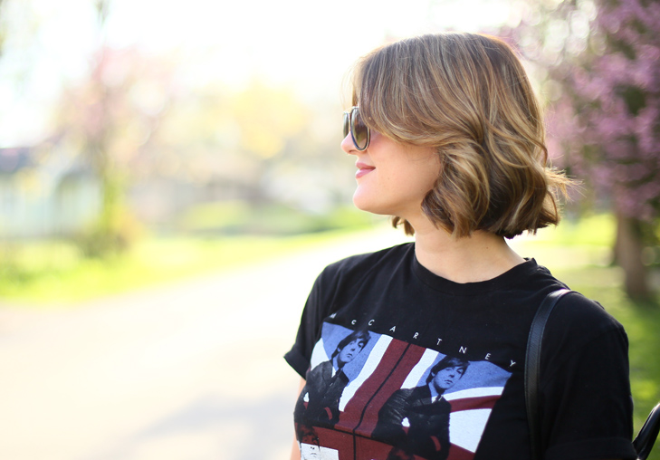 Concert Tee, how to style a concert tee, black concert tee, balayage bob, Jessica Quirk