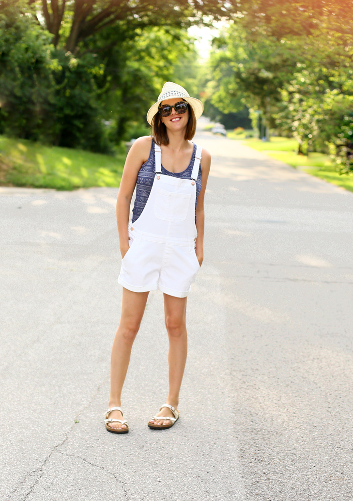 Shortalls, Overalls, White overalls, how to wear overalls, SAHM outfit, What to wear as a SAHM