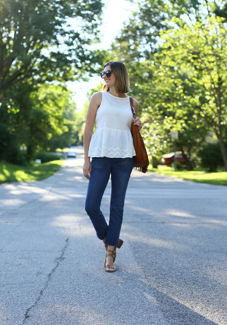 white top, point sur jeans, easy summer outfit, sahm outfit