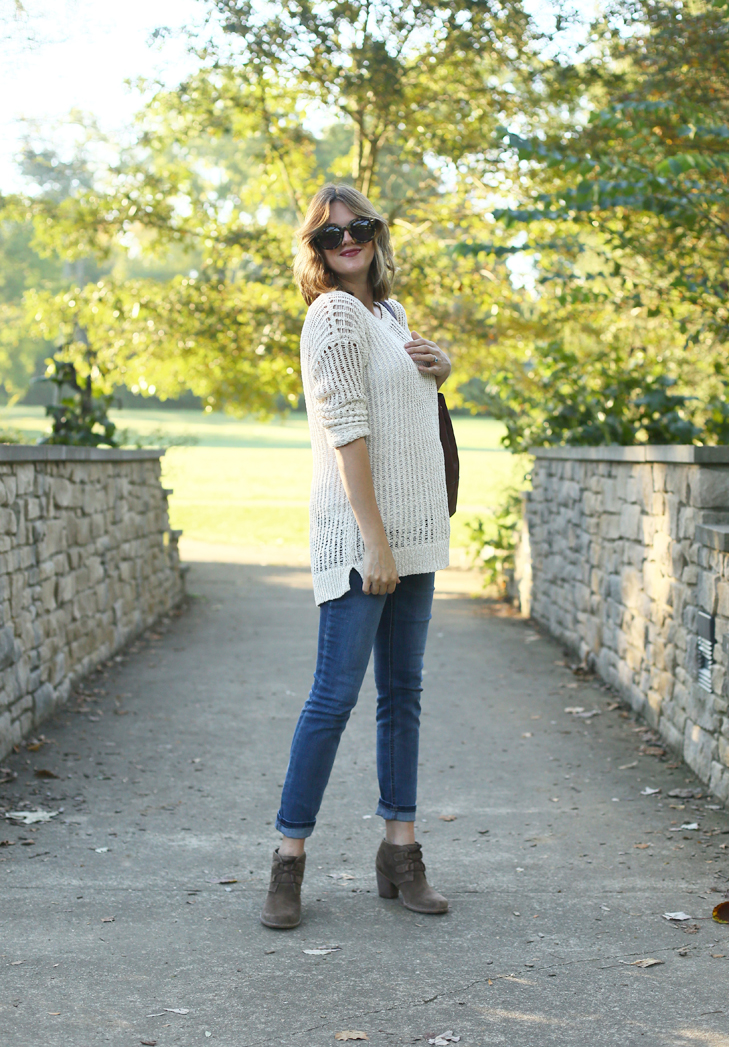 Clarks, Clarks Carleta Lyon Bootie, Cute Fall Outfit, Fall Maternity Outfit, Dress The Bump, StylishBump, 24 Weeks Pregnant