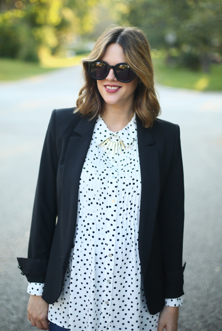 blazer, maternity Outfit, polka dot top, Business Casual Maternity, Dress the Bump, Style the Bump, Trendy maternity