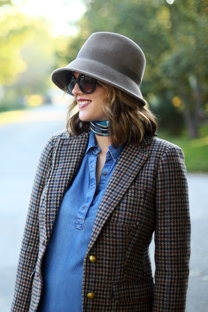 Annie Hall Outfit, Fall Maternity, Maternity, Blazer, Houndstooth, Fall Outfit Idea, How to wear a hat for fall, How to wear a blazer, J.Crew, A Pea in the Pod