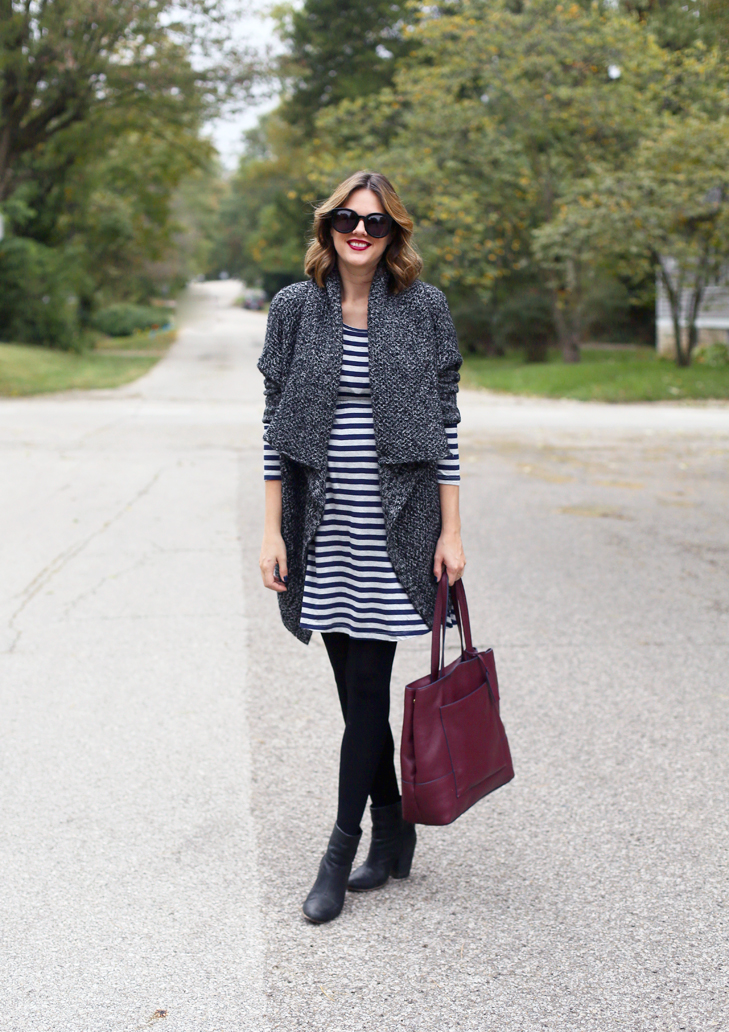 cozy fall outfit, fall maternity outfit, striped dress and cardigan, oversized cardigan, burgundy tote bag