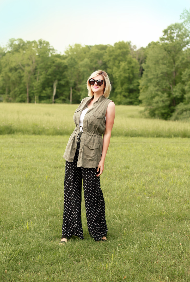 How to Style Palazzo Pants, How to Style a Vest, What to wear with Palazzo Pants, Jessica Quirk, OOTD, What I Wore