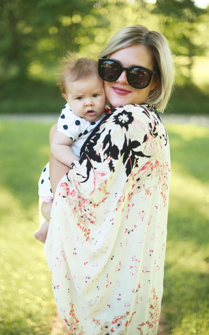 kimono style cardigan, anthropologie, SAHM outfit, How to style a kimono