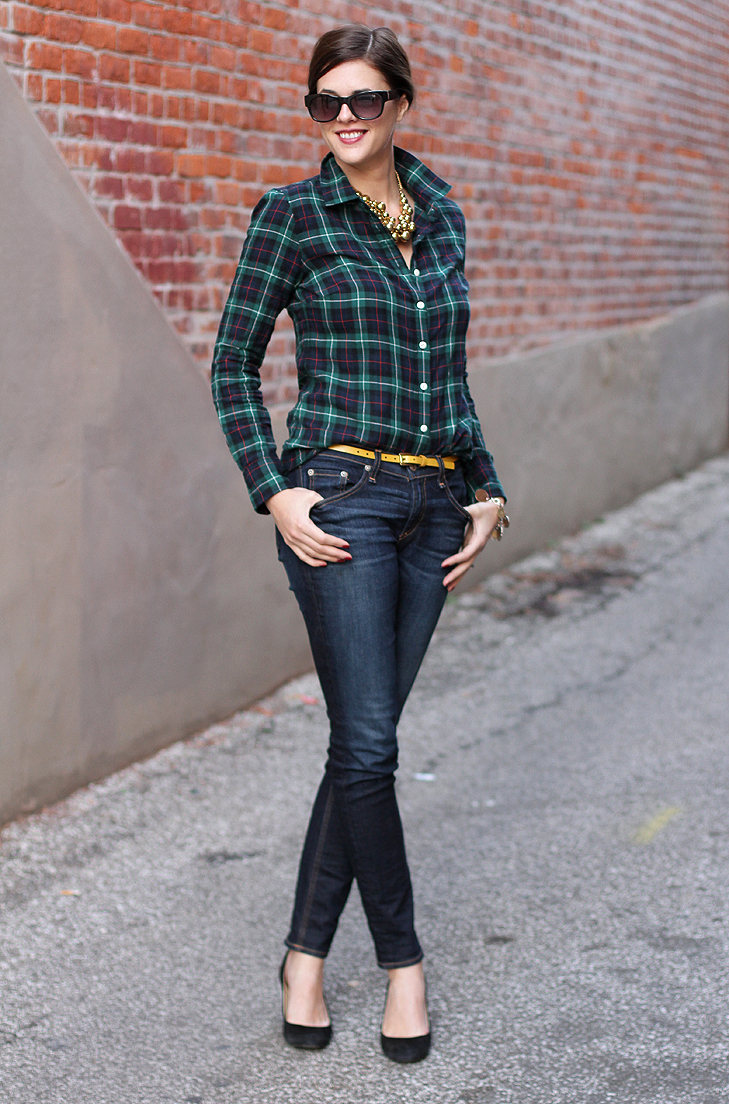 Jessica Quirk, What I Wore, What I Wore Jessica, Fashion Blog, Fashion Blogger, Blackwatch Plaid, How to wear a plaid shirt, Dressing up basic outfits, Outfit blog, Outfit Blogger, Popular style blog,