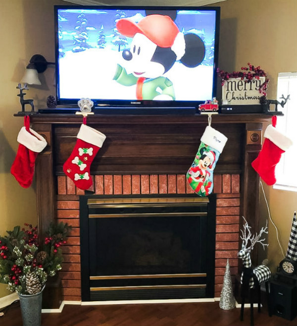 Mickey Mouse Mantel