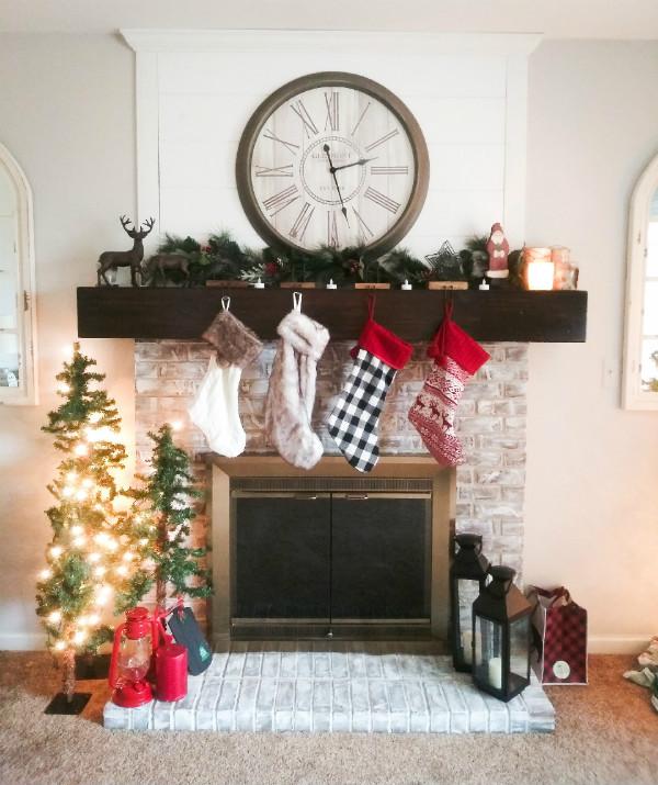 Modern Christmas Mantel