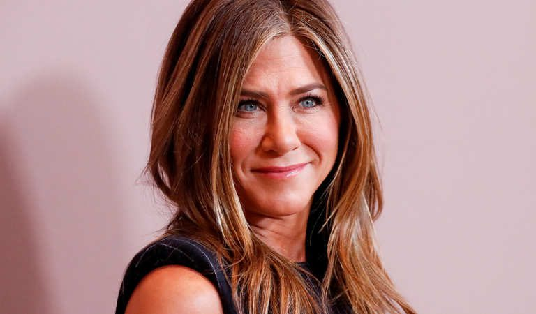 Instagram Crashes After Friends' Star Jennifer Aniston Makes A Debut