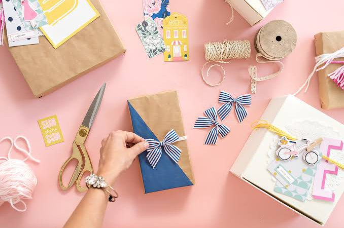 11 Creative & Easy Gift-Wrapping Ideas That You Can Do In 5 Minutes Using Household Items