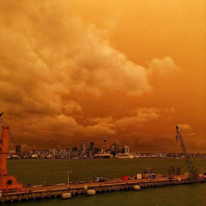 australian fire seen from new zealand