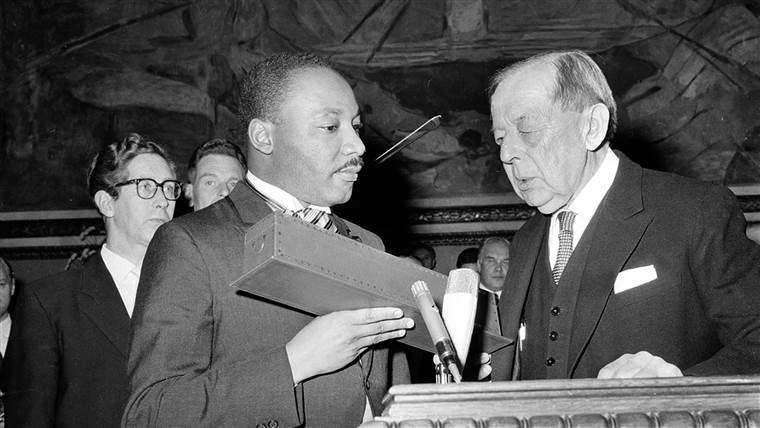 martin luther king jr receiving nobel peace prize