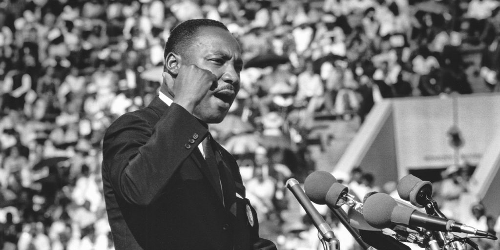 martin luther king jr giving speech