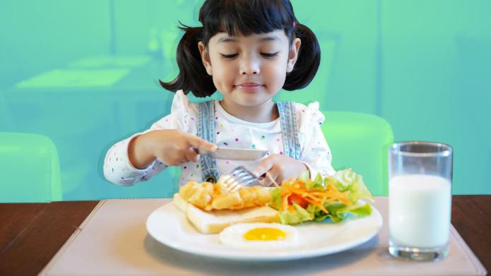 kid eating good food