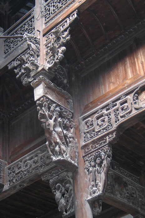 detail of the beams above the entry
