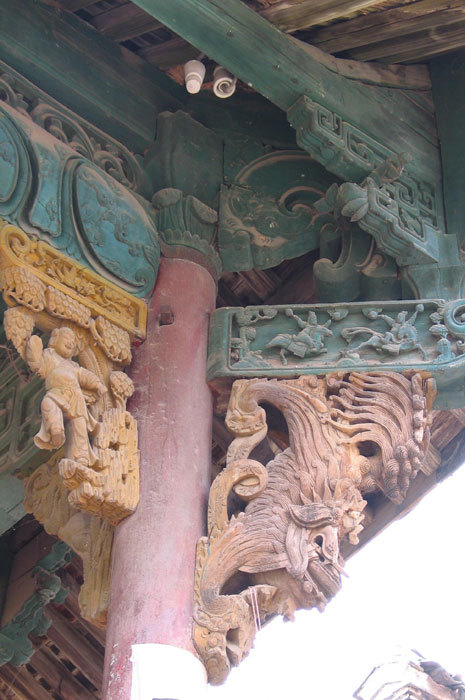 detail of right side bracket on opera stage 2