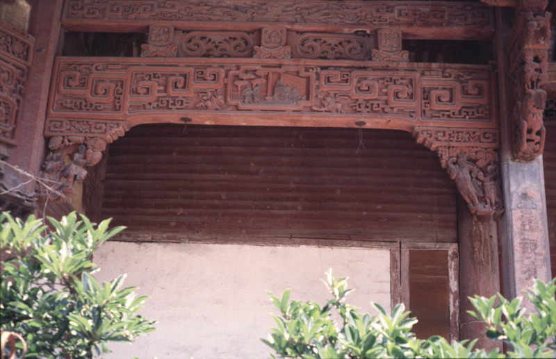 pref temple carved beams 98.jpg