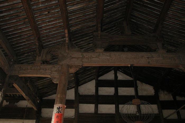 wooden beams in main bay