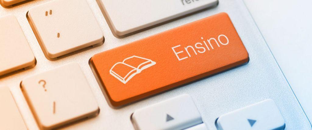 Em ambos os casos, oferece cursos que foram desenvolvidos considerando as necessidades de mercado.