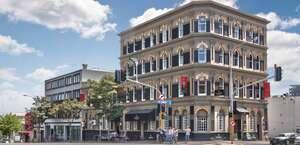 Albion Hotel & Restaurant