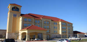 La Quinta Inn & Suites DFW Airport West