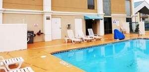 Red Roof Inn & Suites Newnan