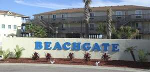 Beachgate Condosuites And Hotel