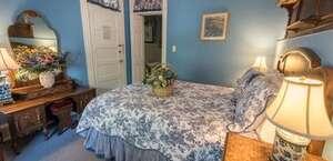 Southern Wind Inn Bed & Breakfast