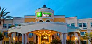 Holiday Inn Express & Suites Garden Grove-Anaheim South