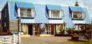 On the Beach Bpkrs Lodge