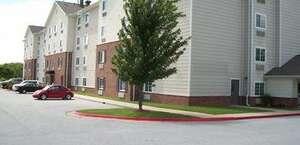 HomeTowne Studios & Suites Bentonville