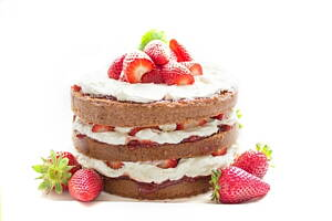 strawberry and chocolate cake with cream