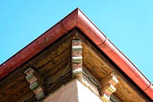 canalones instalados en un tejado