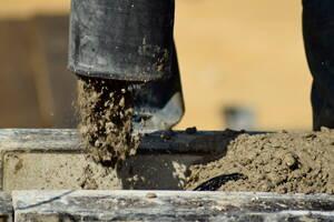 Aplicación de concreto en construcción