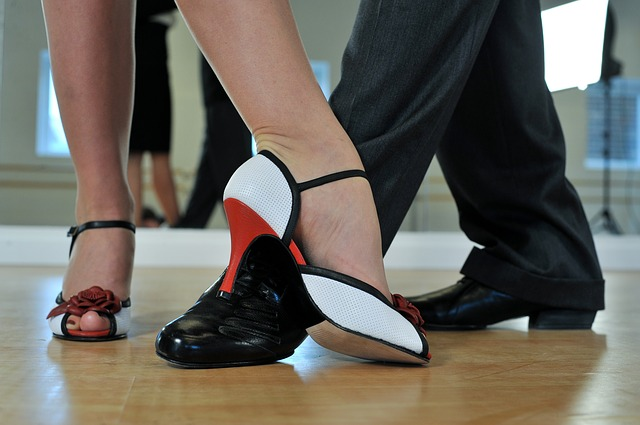 tango dancing at a dance school