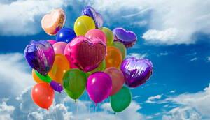 Variedad de globos de helio