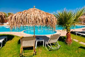 Hotel tropical con alberca