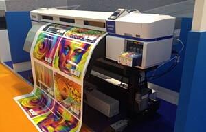 maquinas de impresion en una imprenta