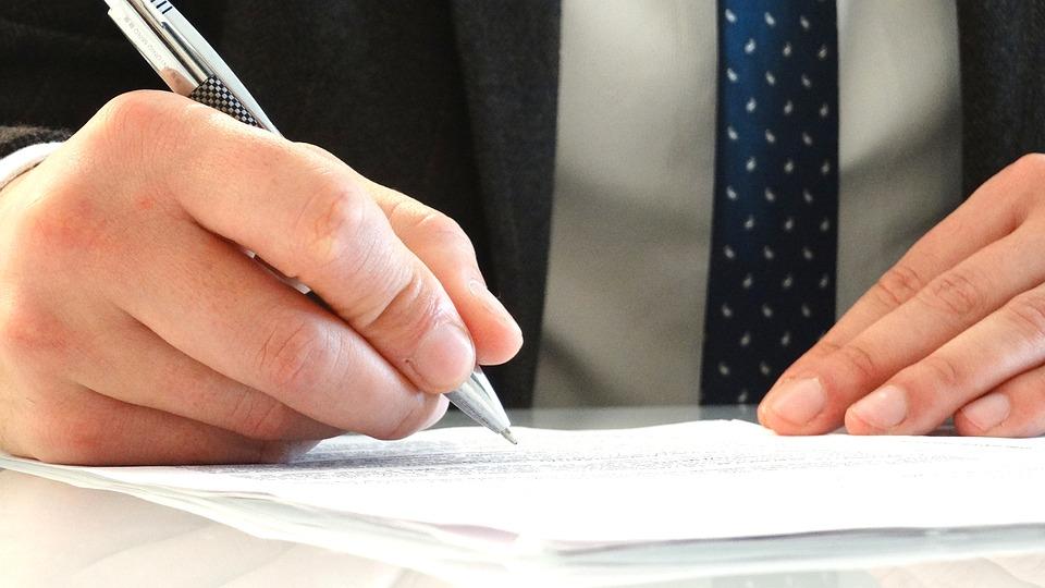 perito firmando