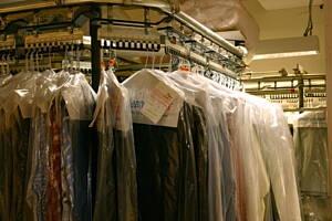 ropa en una tintoreria