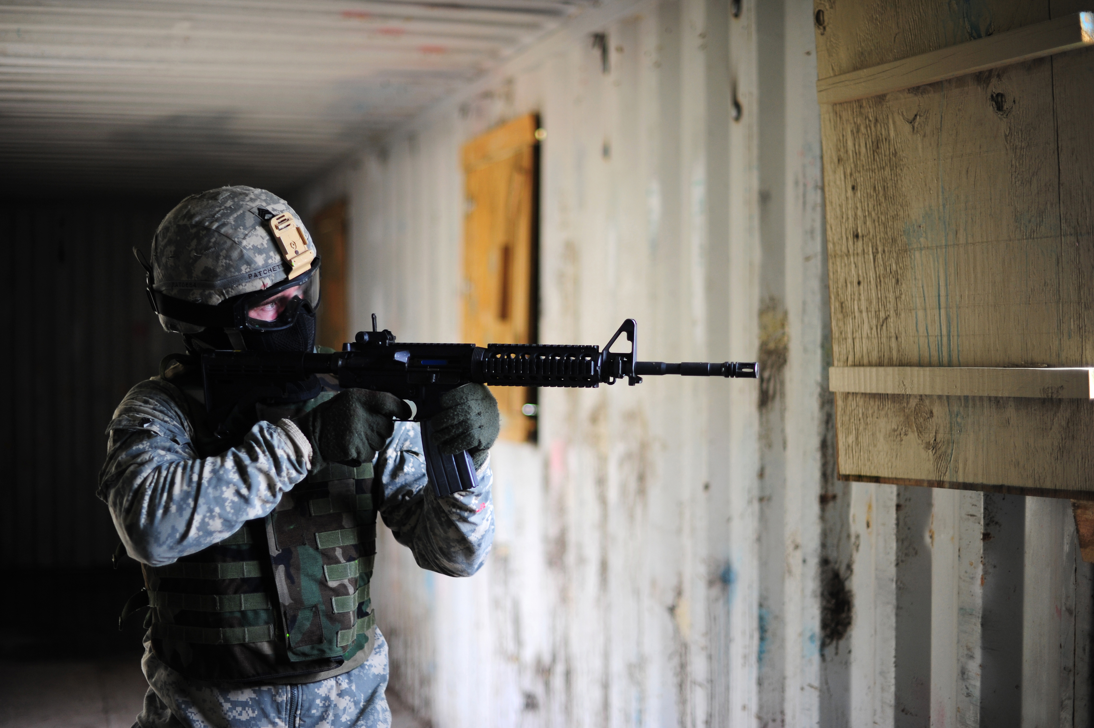 Illinois National Guard Soldiers Train with Ultimate