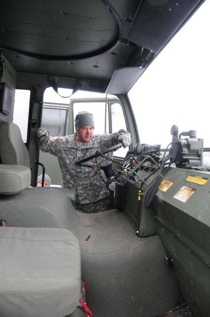 Two Chicago-Area National Guard Units Compete in Army Award