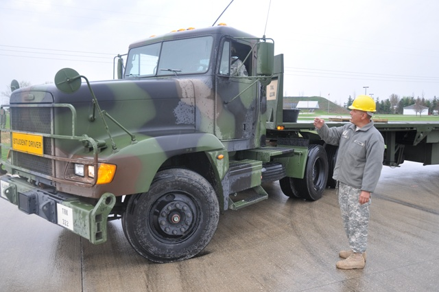 Illinois Army National Guard Training Drives The Force - Us-army-88m