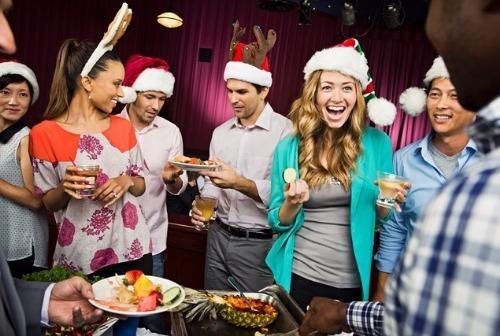 Holiday%20guest%20near%20buffet
