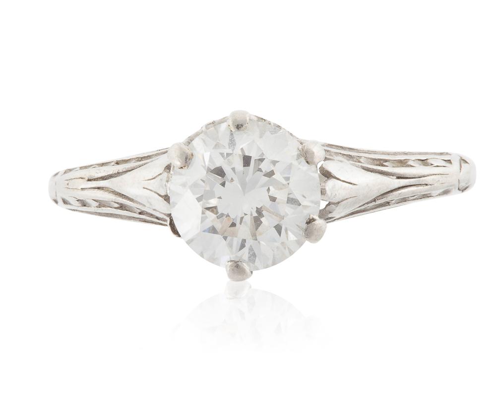 Lot 1026: An Art Deco diamond ring Image